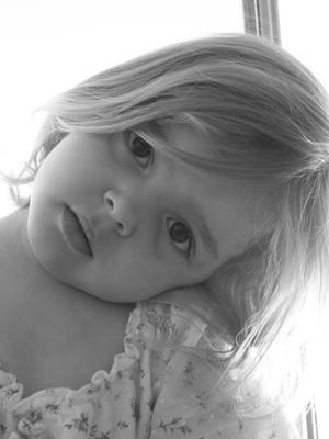 Rimedi di erbe per le infezioni dell'occhio nei bambini