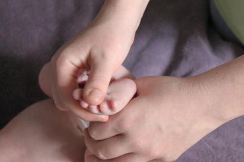 Come utilizzare olio Extra Vergine di oliva sulla pelle di un bambino