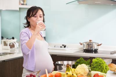 Cibo sano per lo sviluppo del cervello buona per i bambini durante la gravidanza