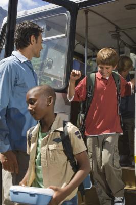 Imballaggio per un viaggio di scuola Bus
