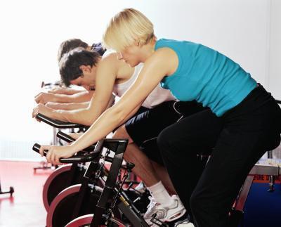 Intervallo di allenamento su una bici fissa