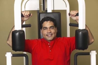 Come mantenere la vostra forza superiore del corpo con un polso rotto