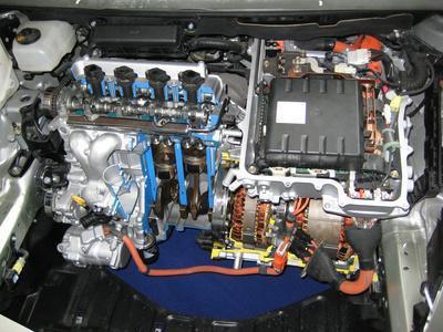 Come funziona un'auto ibrida?