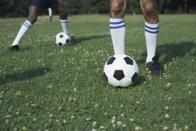 Dolore al ginocchio da prendere a calci un pallone