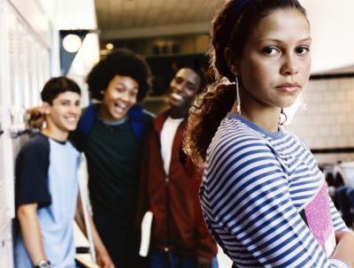 Come gli adolescenti che stanno per essere vittima di bullismo atto fuori