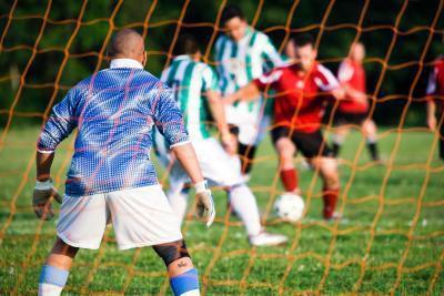 Perché calcio portieri indossare uniformi differenti rispetto al resto della squadra?