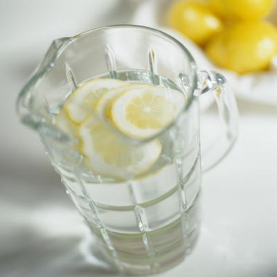 È acqua al gusto di frutta bene per te?