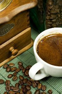 Caffè o caffeina interferisce con la funzione della tiroide?
