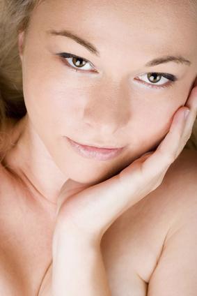 Benefici della vitamina C per i pori del viso