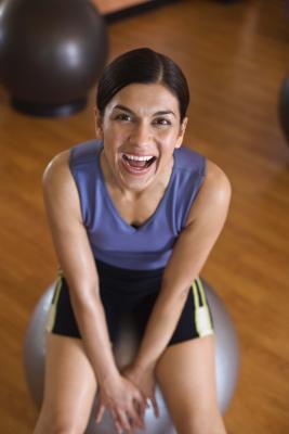 Può rimbalzare leggermente su una palla di esercizio aiuta il sistema linfatico?
