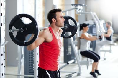 Sollevamento pesi aiuta perdere peso?