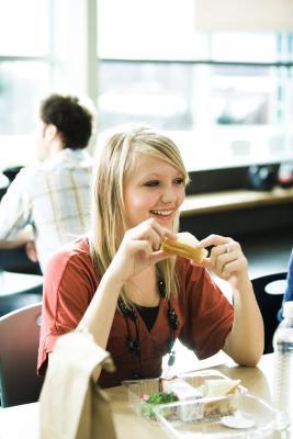 Colazione, pranzo e cena dieta per gli adolescenti