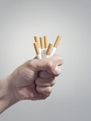 Come fumatori cambia gli atteggiamenti della gente?