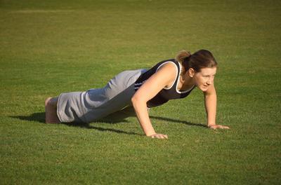 Esercizi con le braccia per le donne a casa