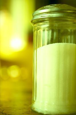 Perché il consumo eccessivo di sale causa l'Edema?