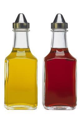 Benefici dell'olio d'oliva e aceto di miscelazione
