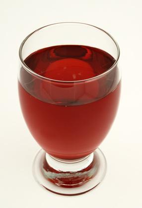 Disintossicazione del corpo con acqua del mirtillo rosso
