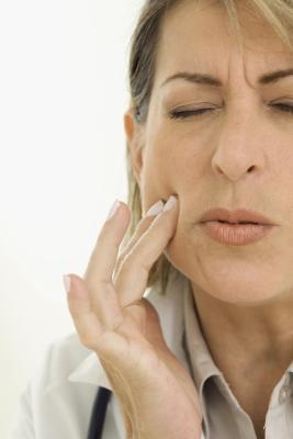 I denti incastrati sintomi e trattamenti