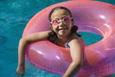 Ustioni chimiche in bambini da cloro piscine