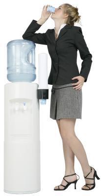 Bere troppa acqua può causare il Gas in eccesso?