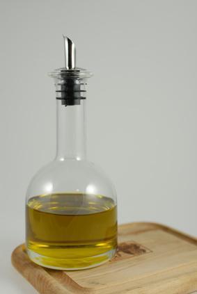 È possibile rimuovere i punti neri utilizzando olio di oliva?