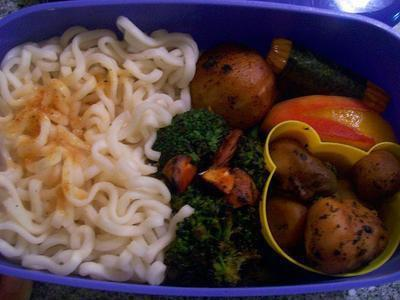 Nutrizione e tagliatelle di Shirataki
