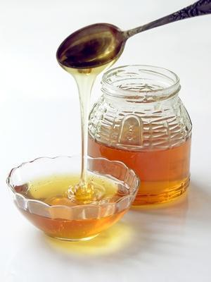 Trattamento del miele di eucalipto per le cataratte