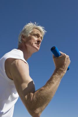 Esercizi con manubri deltoide medio