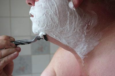 Top 10 prodotti di cura della pelle per gli uomini