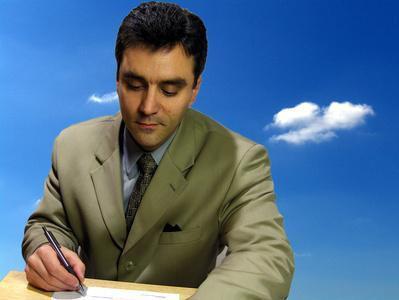 Come scrivere un annuncio di cessazione del dipendente