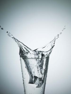 Come convincere la gente a bere più acqua
