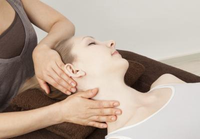 Come guarire un mal di testa durante il sollevamento pesi