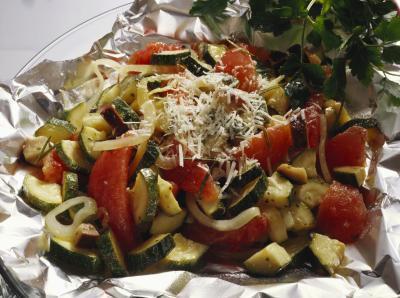 Come cuocere verdure avvolto in carta stagnola