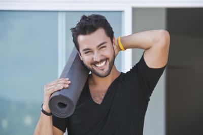 Cosa indossare gli uomini per fare Bikram Yoga?