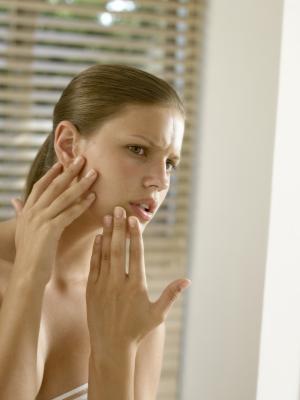 Trattamento di agopuntura per uno spasmo emifacciale