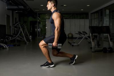 Squat per lavorare i muscoli posteriori della coscia