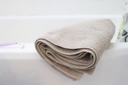 Come chiudere i pori del corpo dopo una doccia calda
