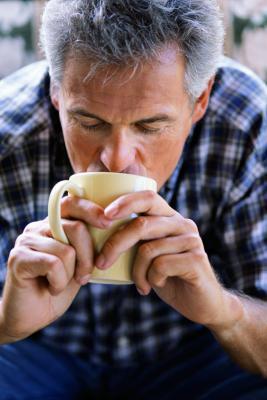 Fatti di nutrizione per il caffè con latte intero