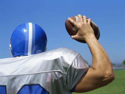 Mi fa male il braccio da lanciando un pallone da calcio