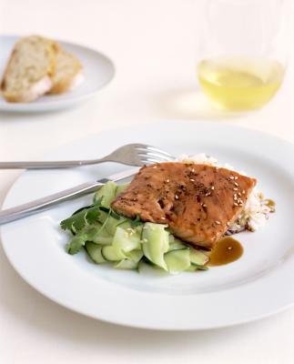 Omega 3: Olio di pesce contro olio di semi di lino