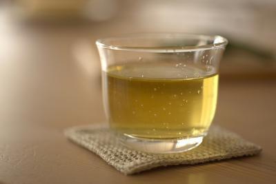 La lista degli ingredienti su un'etichetta di tè verde dieta Arizona