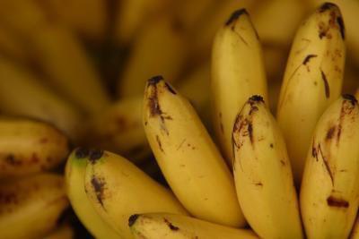 Quali sono i vantaggi di mangiare Banana bucce?