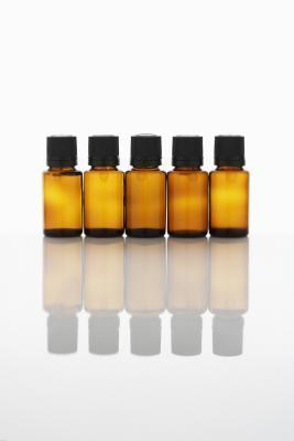 Basilico vs olio di menta piperita per crescita dei capelli