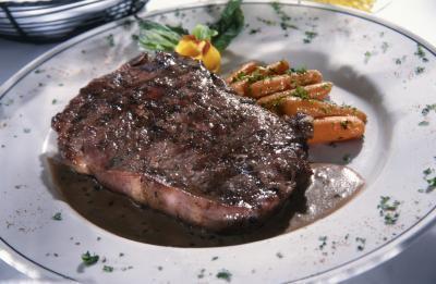 Come marinare e cucinare una bistecca Porterhouse