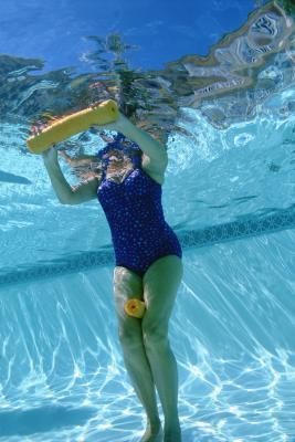 È acqua aerobica buona per tutto il corpo rassodante?