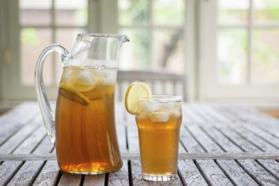 Tè freddo può sostituire l'acqua per il corpo?