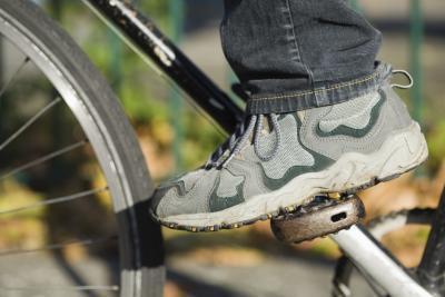 Dolore nell'arcata del piede & ciclismo