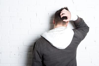 Pimple-come dossi sul cuoio capelluto