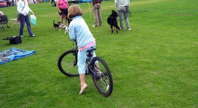 Il modo migliore per insegnare ad un bambino ad andare in bicicletta