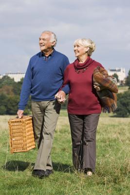 A piedi esercizi di equilibrio negli anziani